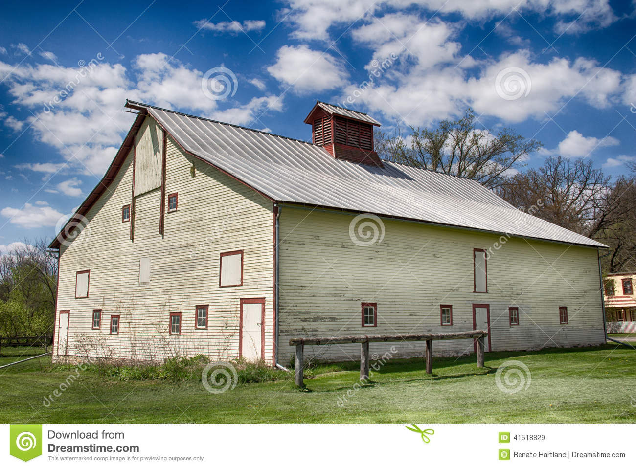 Old Barn With Tin Roof Stock Image Image Of Spring Slats