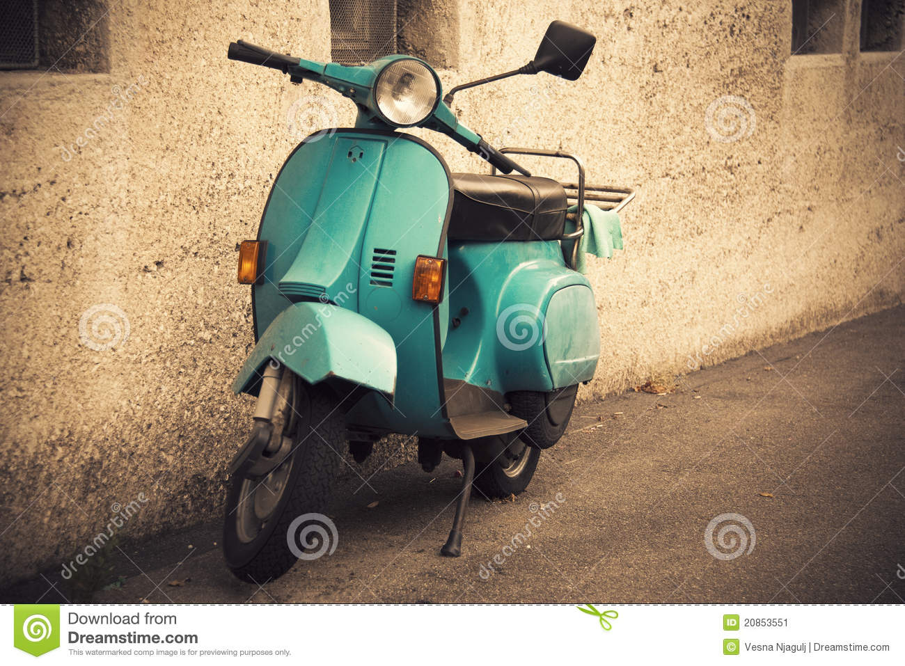 Old Italian Moped Editorial Stock Image - Image: 31848144