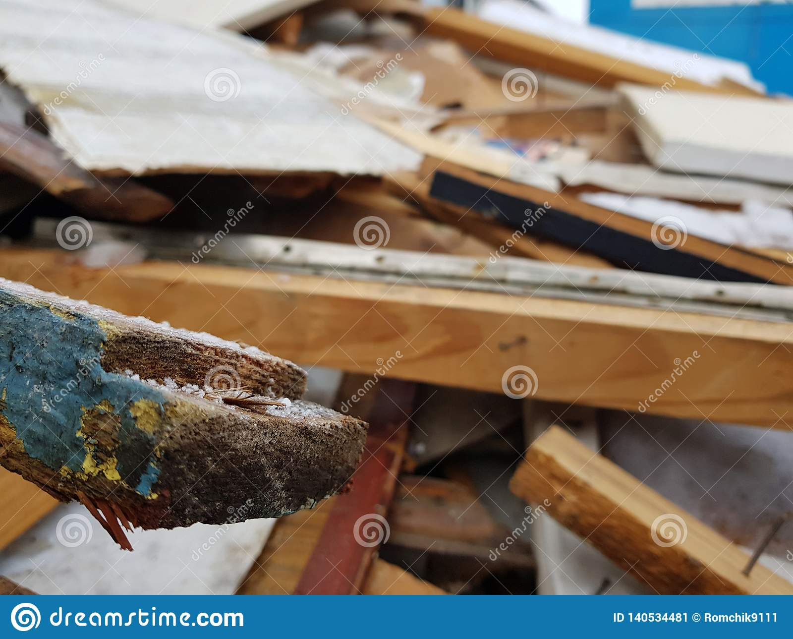 Old boards, repair and construction waste