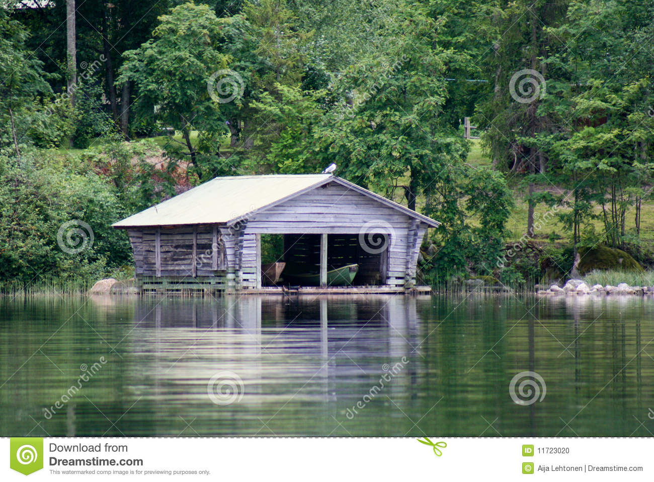 Old Boathouse By The Lake Stock Photo - Image: 11723020