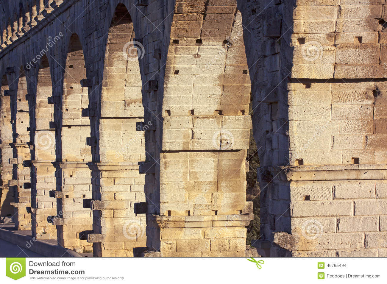Old bridge details pont du gard stock photo image for Pont du gard architecte