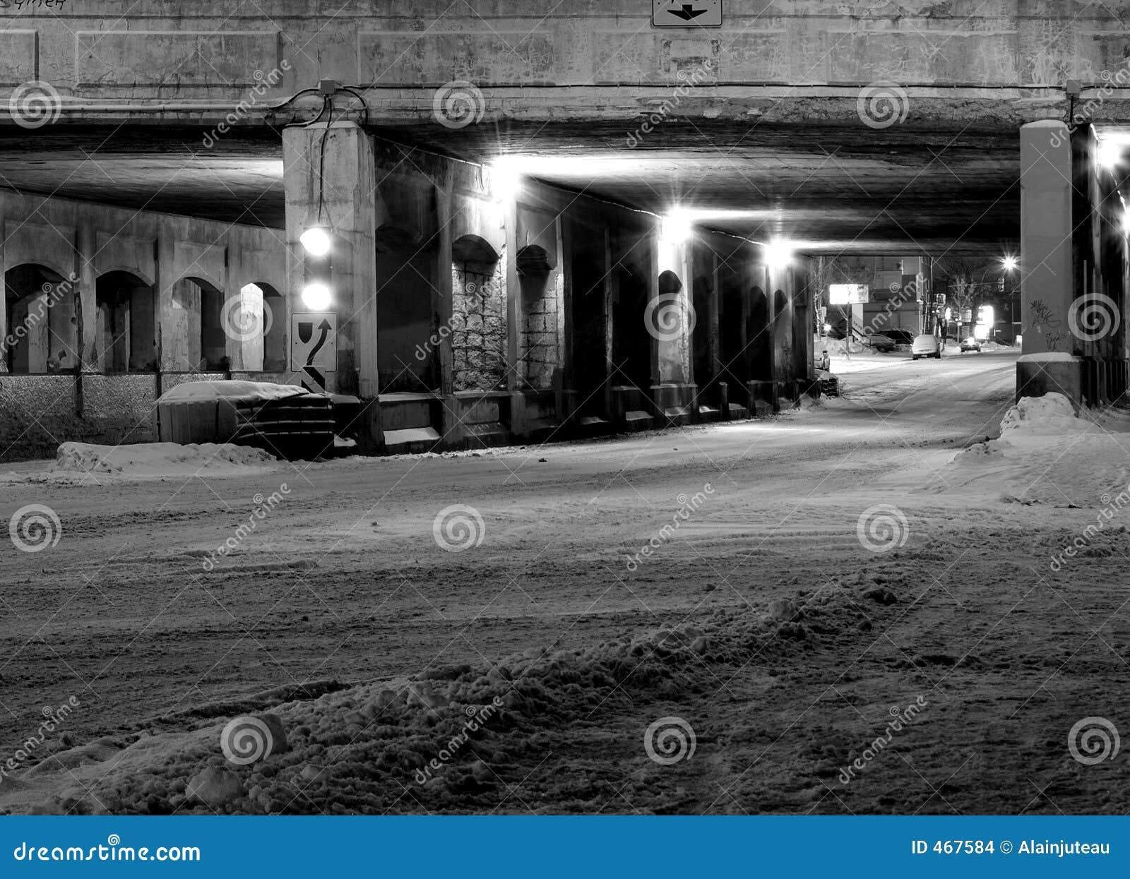 Old bridge at night (Montreal)