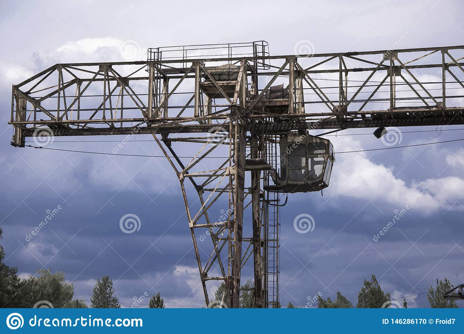 Old, broken gantry crane