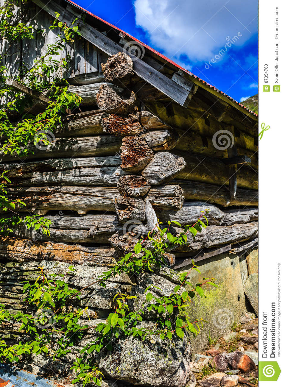 Antique Notched Trowels : An old building of notched seals in beautiful