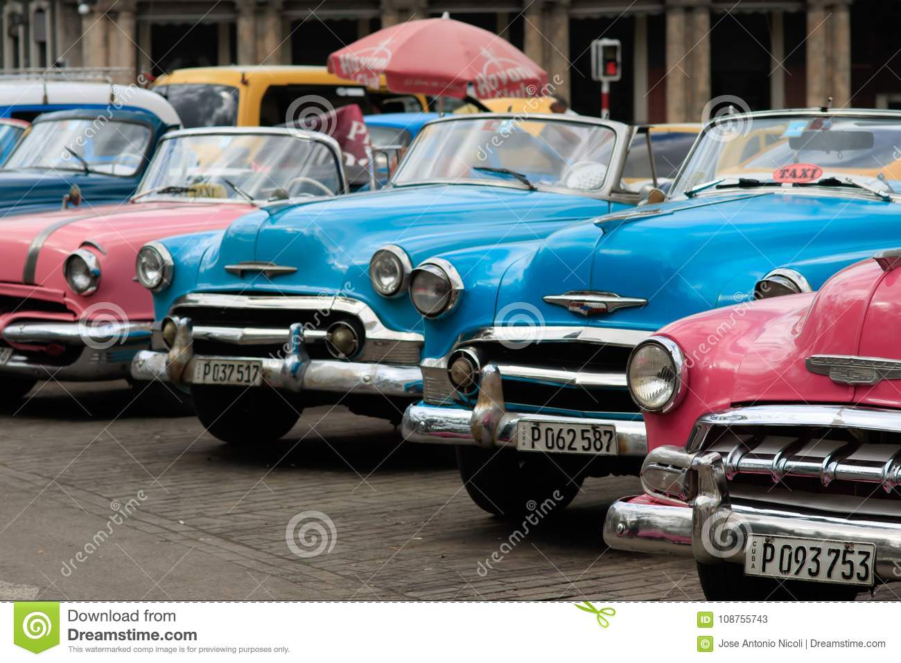 Old car in Cuba editorial stock photo. Image of worn - 108755743