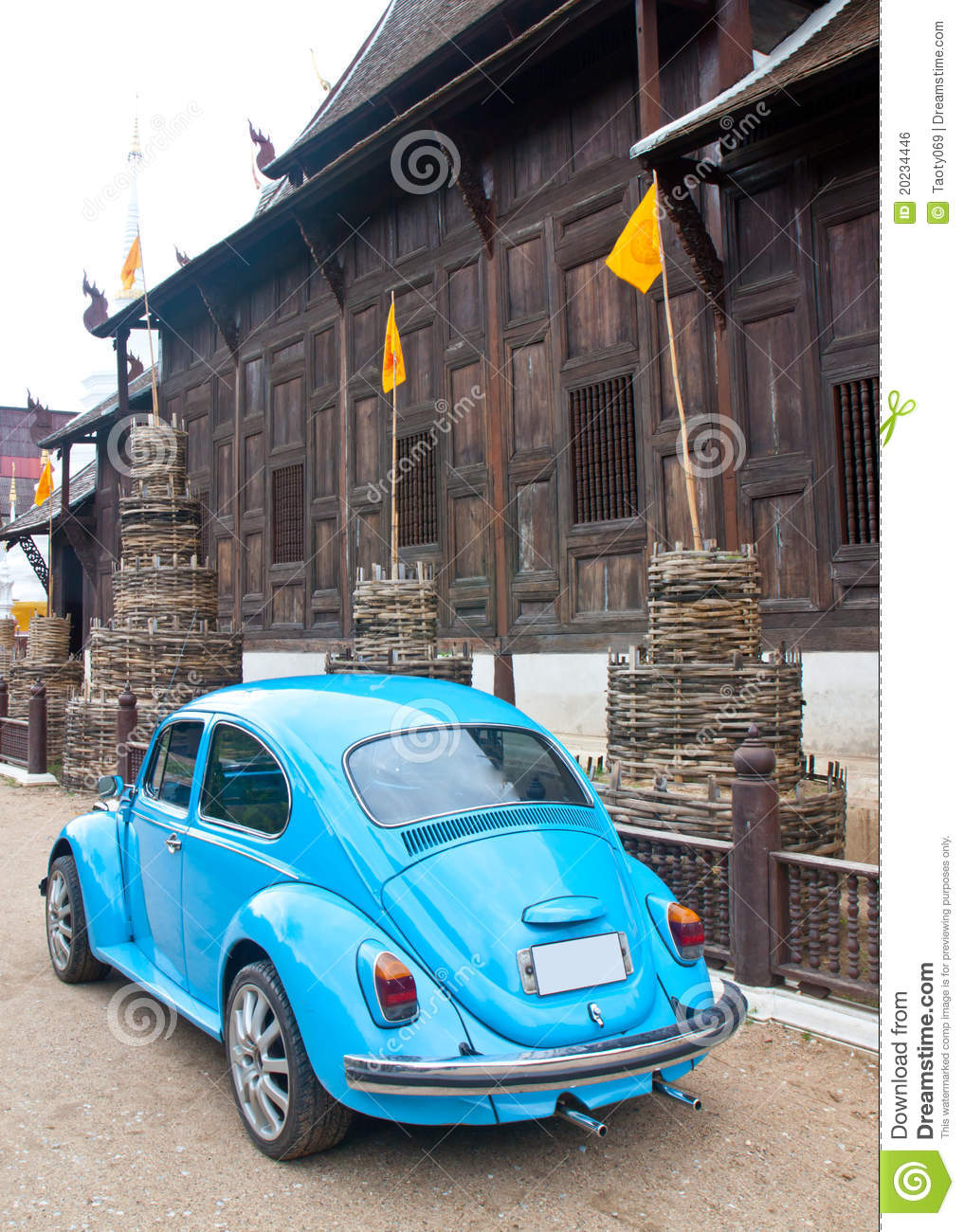 old car and temple royalty free stock image image 20234446. Black Bedroom Furniture Sets. Home Design Ideas