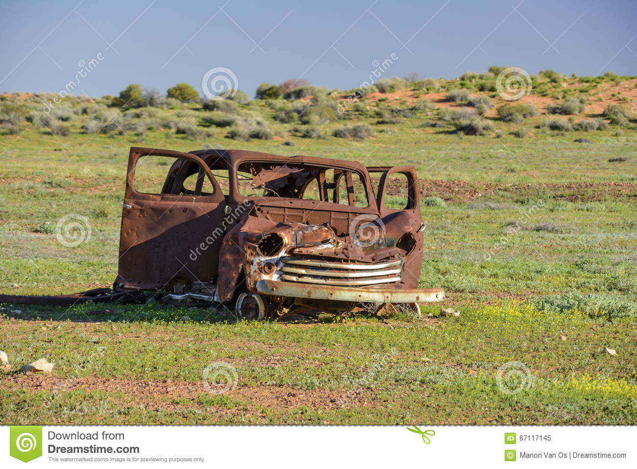 Old Car Wreck In The Middle Of The Outback Of Australia Stock Photo ...