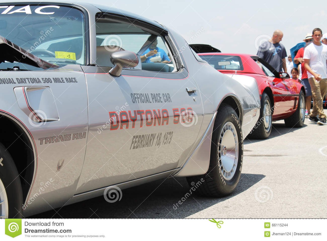 Old Cars On Display And People Editorial Stock Image Image Of - Daytona classic car show