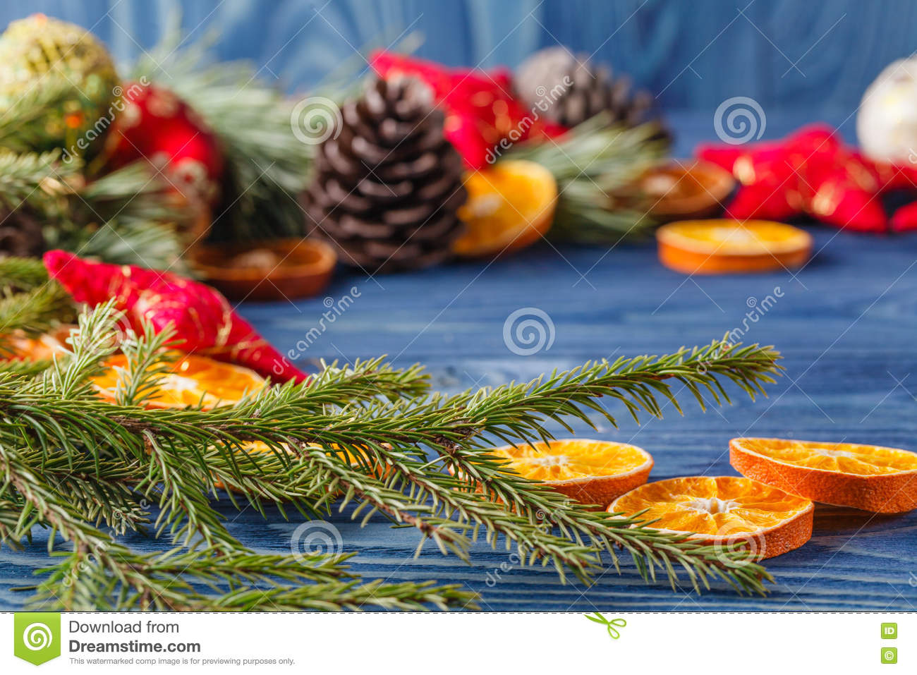 Old Christmas-tree Decoration And Eco Style Decorate With Garlan ...