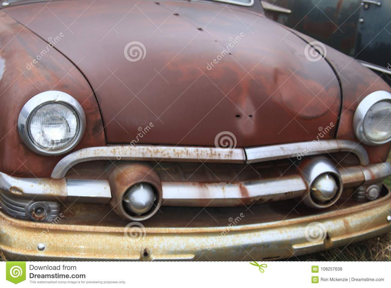 Old Classic Cars Rusting Away Stock Photo - Image of forgotten ...