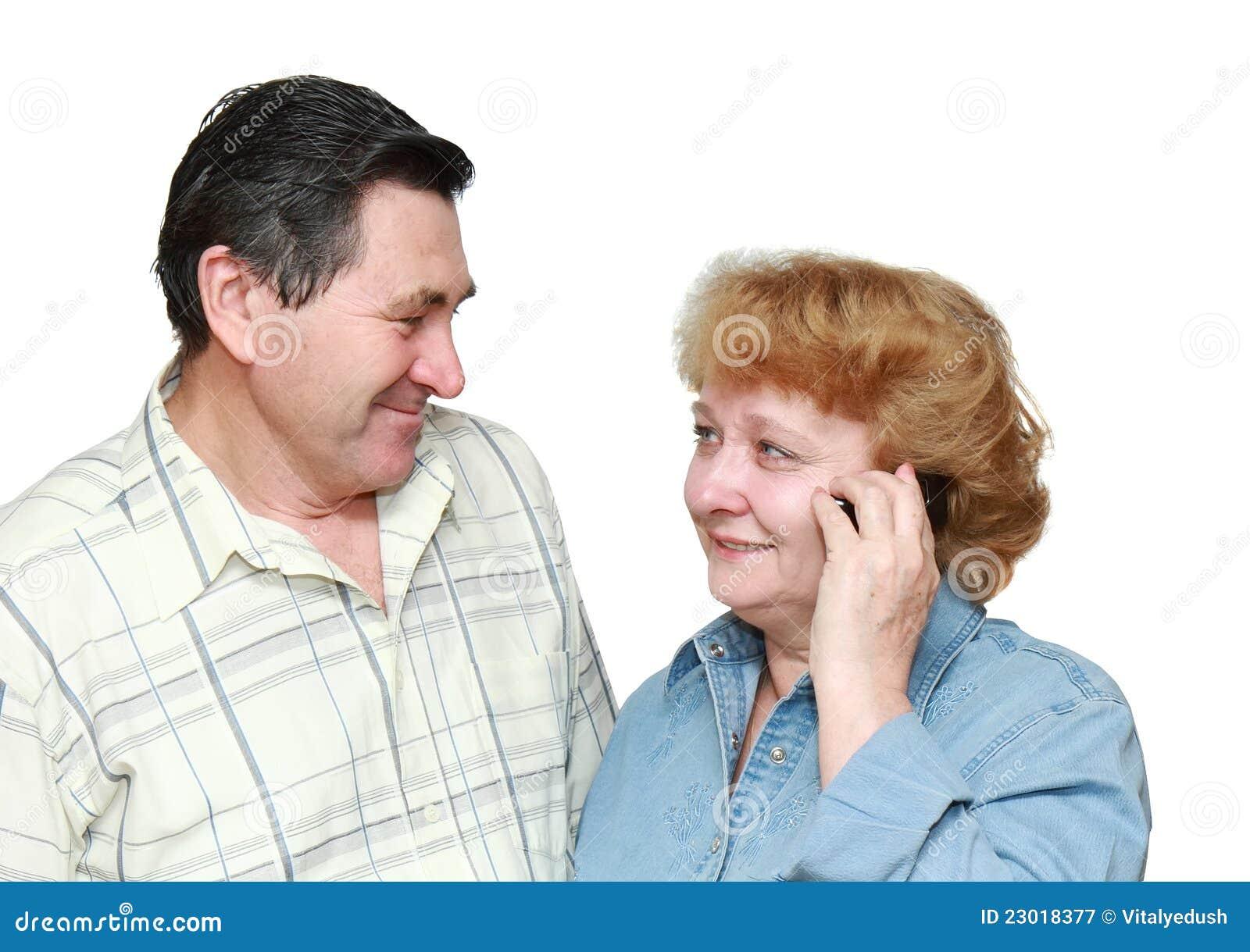 Сосет и говорит по телефону с мужем 24 фотография
