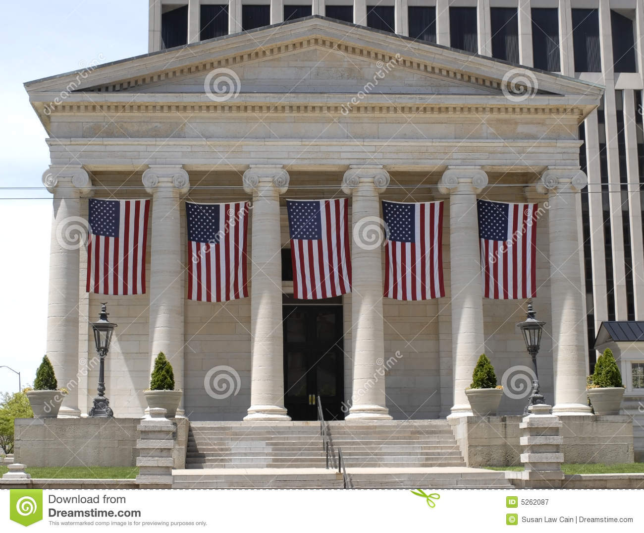 Old Court House With Flags Stock Image Image Of Dayton