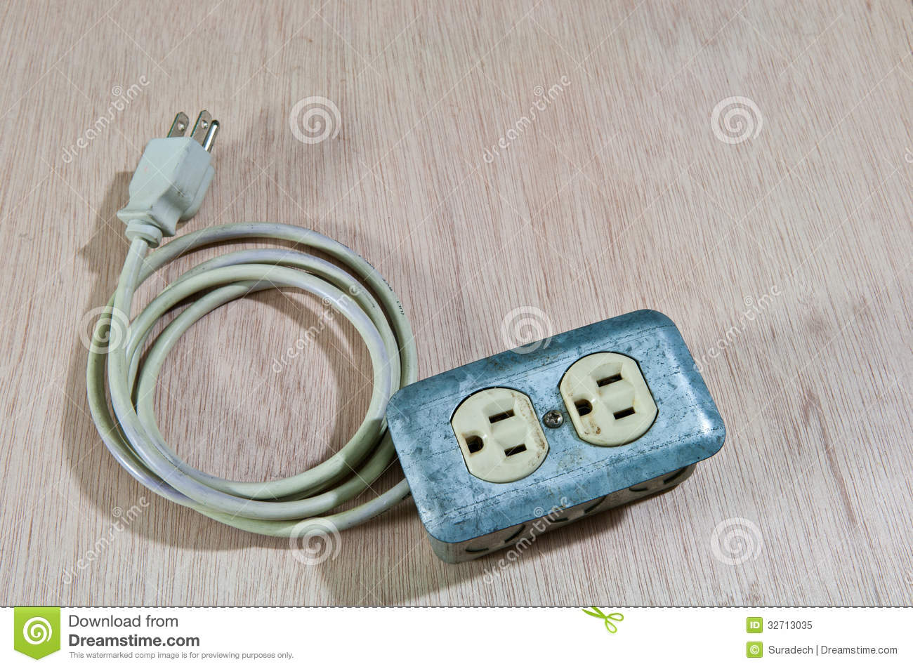 Old Damage Extension Cord Stock Image Of Circuit 32713035 Wiring A Cordwood House