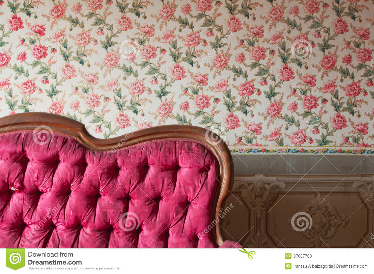 old wallpaper wall royalty free stock photos - image: 24141918