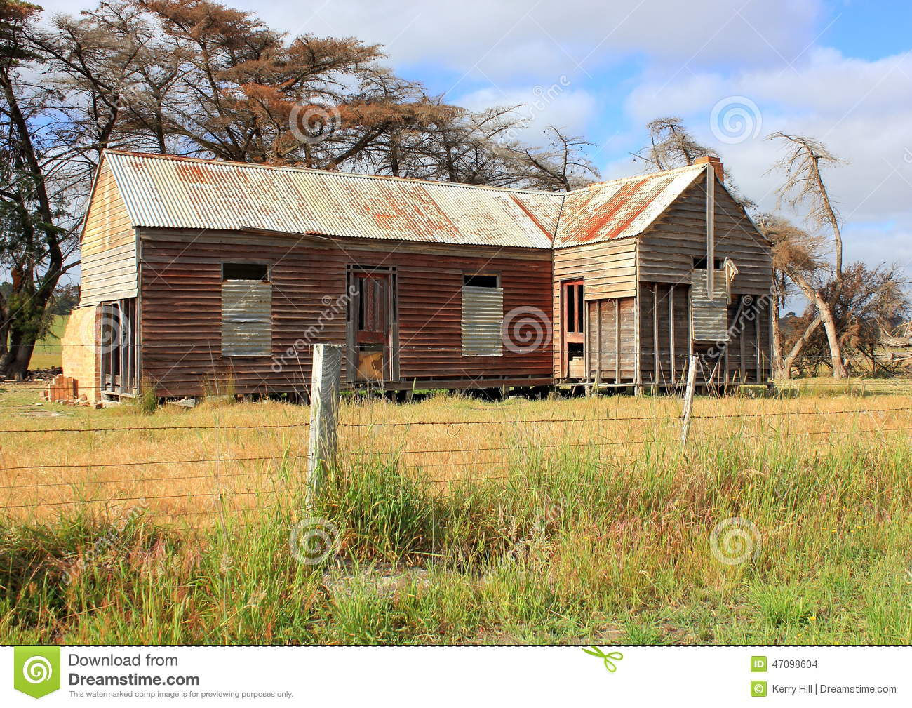 Old and dilapidated australian country homestead stock for Free homestead