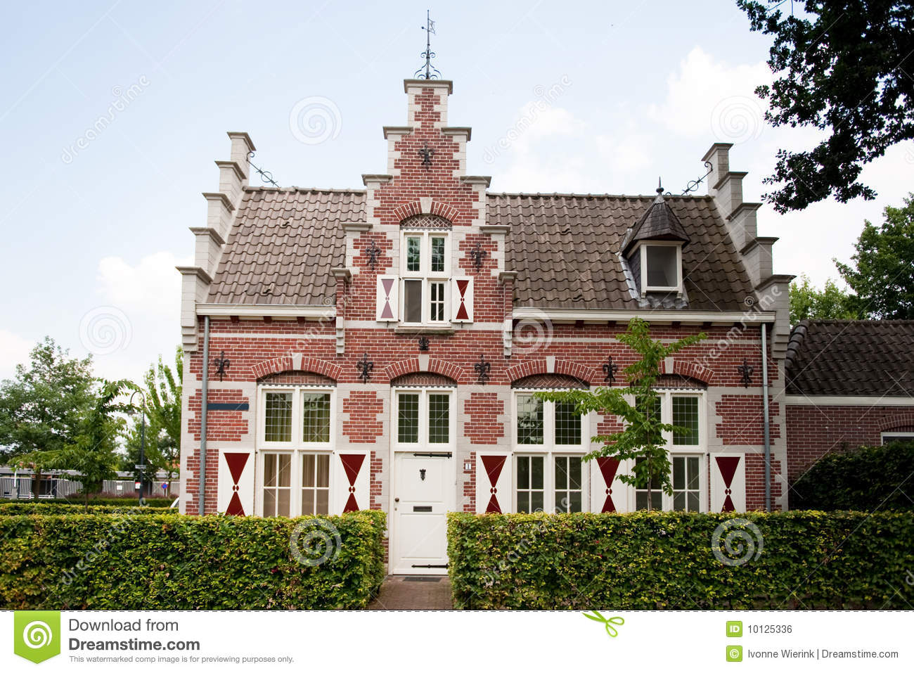 Old dutch house royalty free stock image image 10125336 for Dutch house