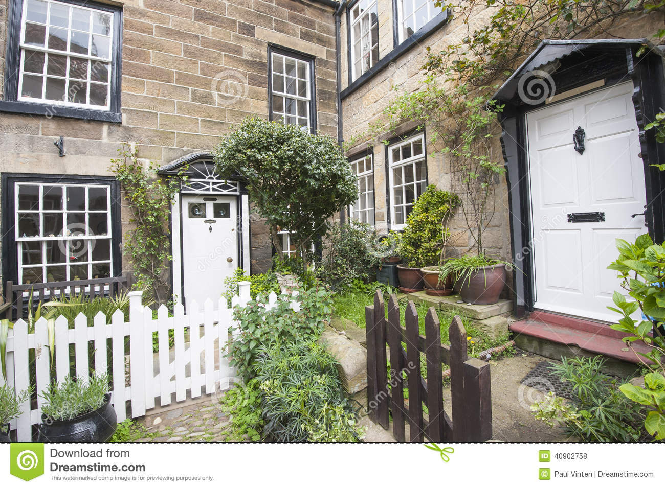Old English Country Cottages In Village Stock Photo Image 40902758
