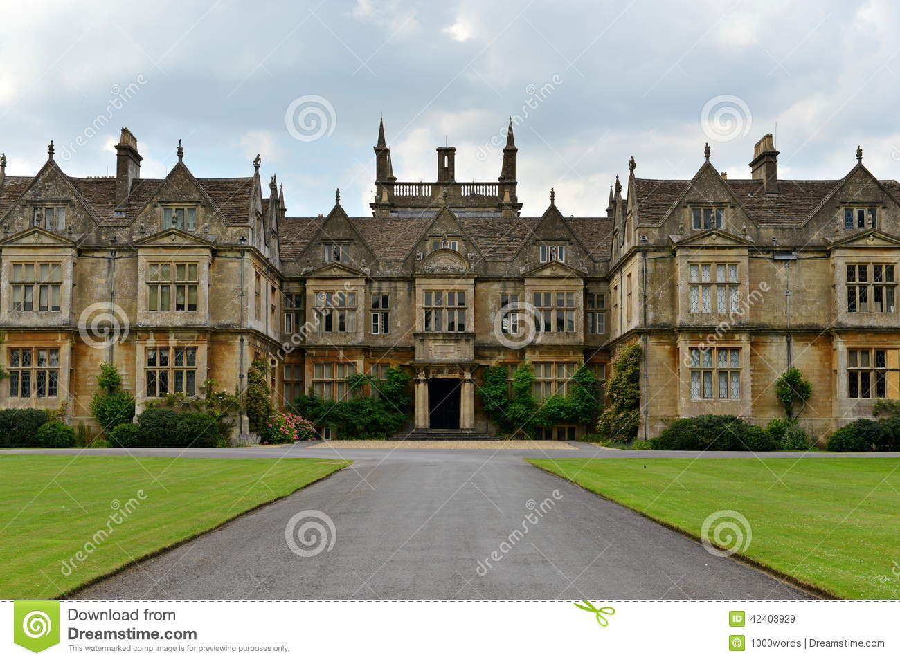 Old English Mansion Stock Image Image Of Britain Garden