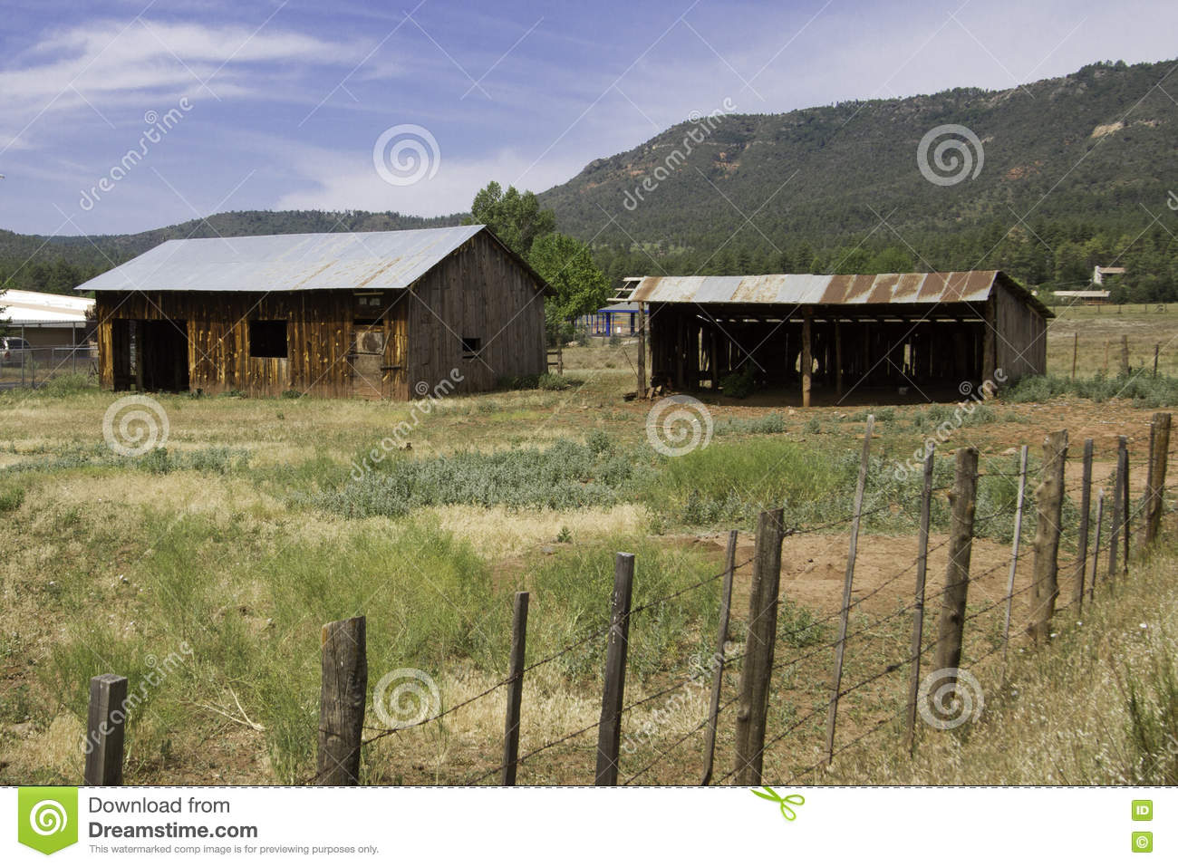 Old farm house and shed in the Arizona country