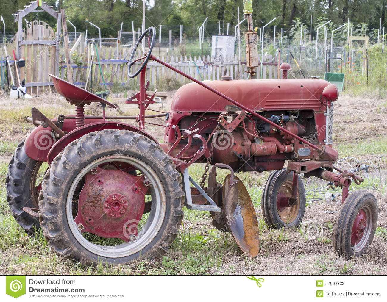 Old Farm Tractors : Old farm tractor stock photography image