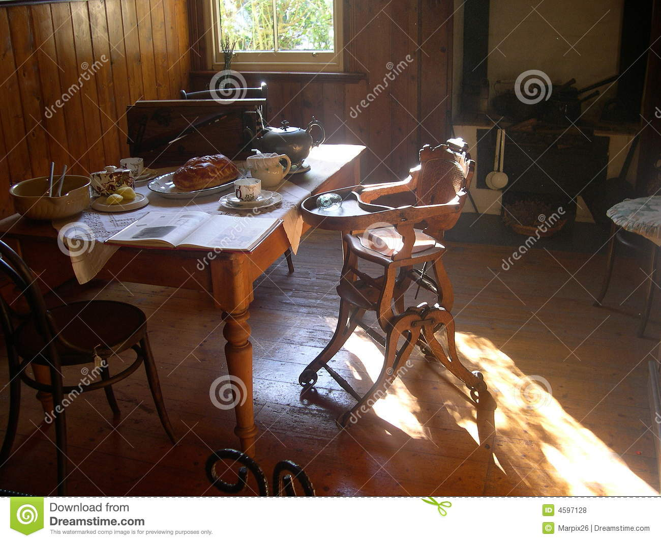 Old Farmhouse Dining Room