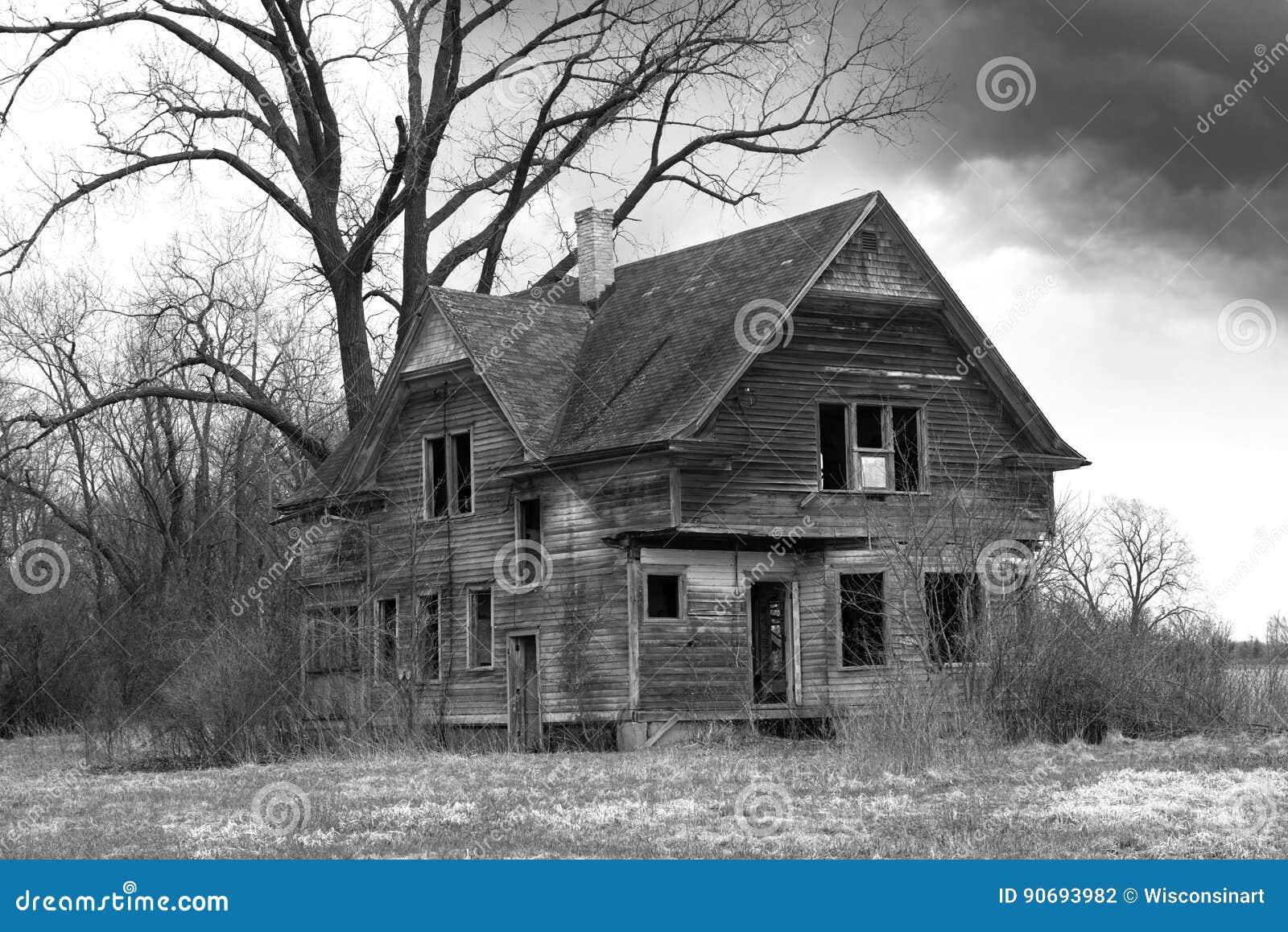 Old Farmhouse, Haunted House, Desolate