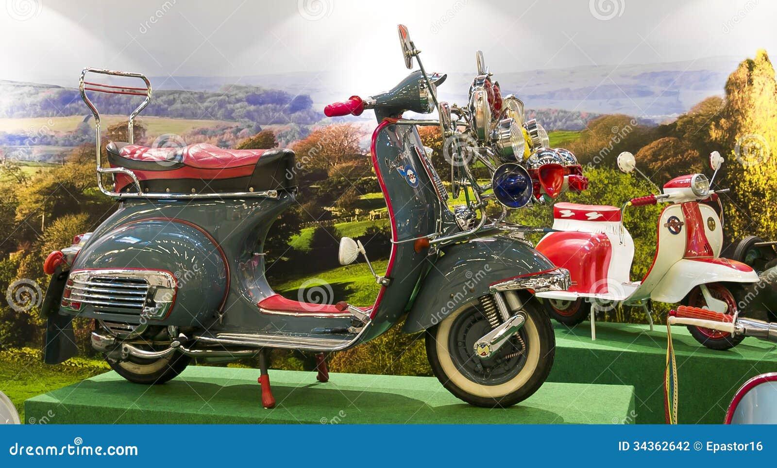 Italian moped 11