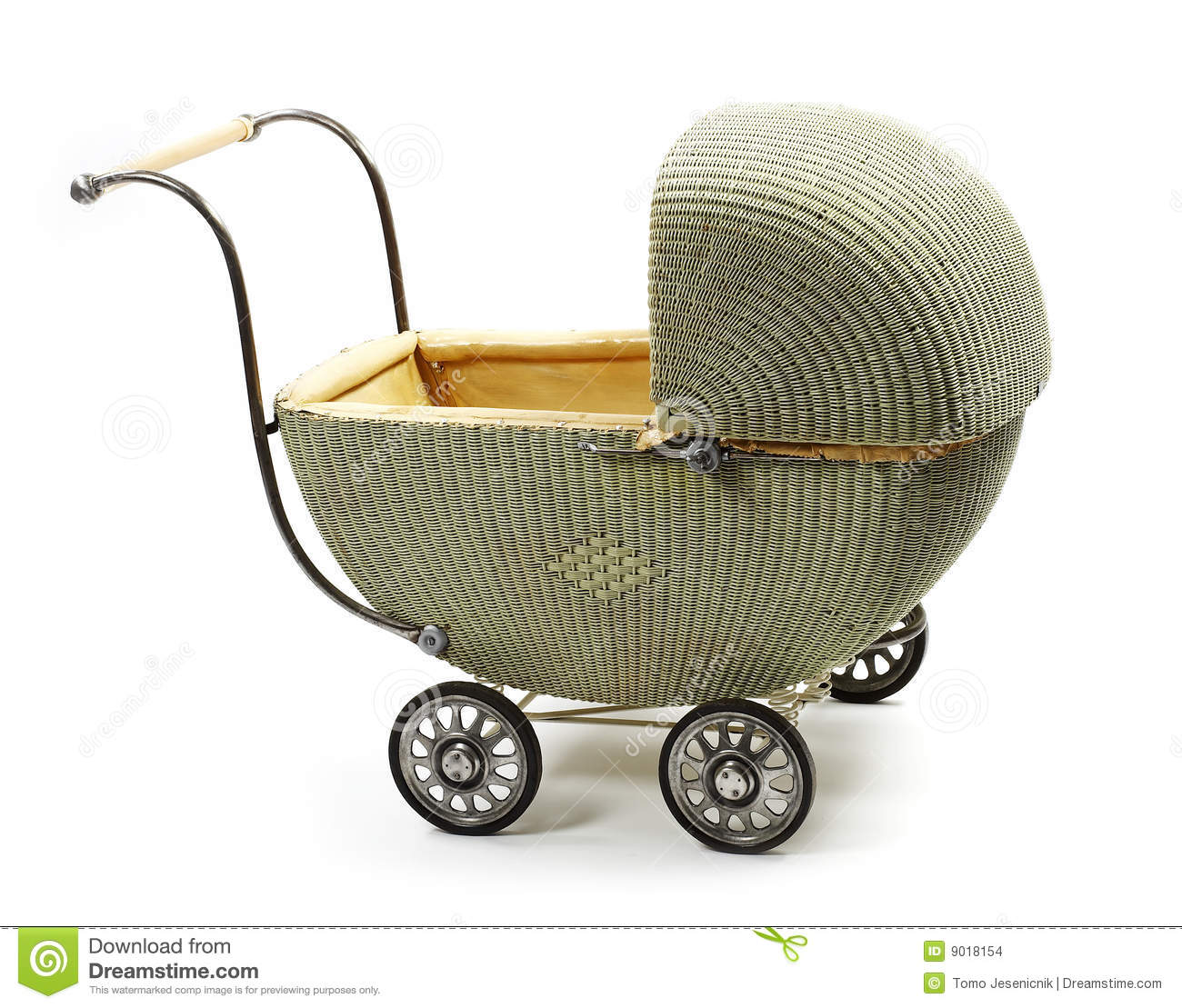 Baby carriage old fashioned Carriage - Dizionario inglese-italiano WordReference