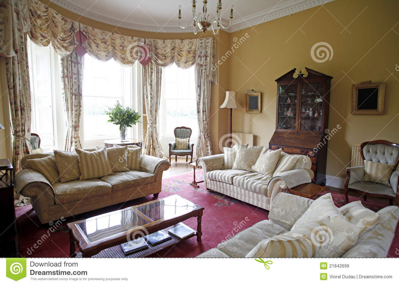Delightful Old Fashioned Living Room