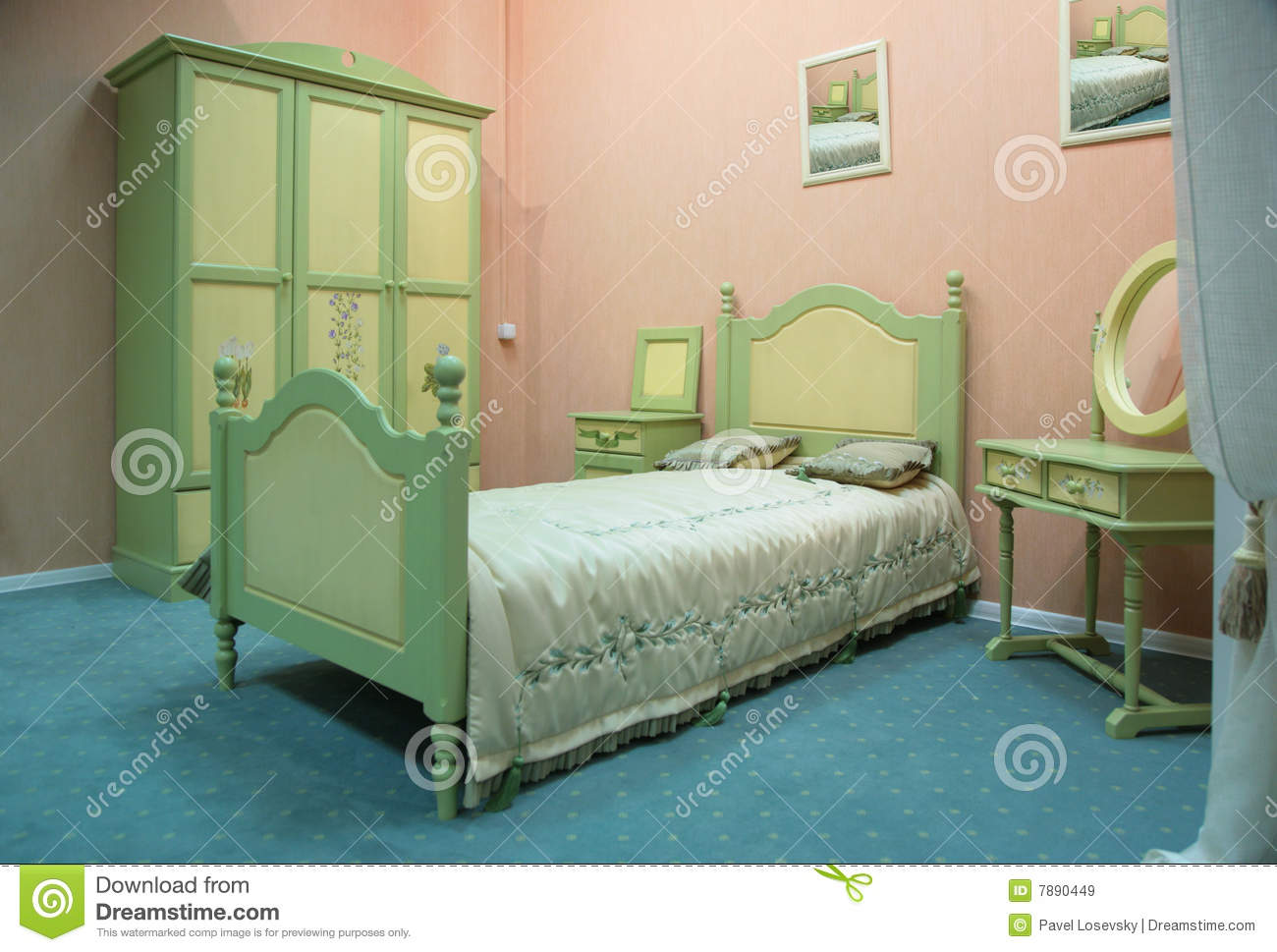 old fashioned style bedroom royalty free stock images image 7890449