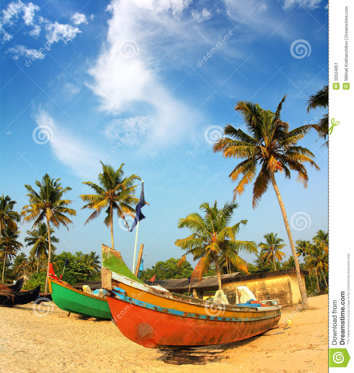 Old Fishing Boats On Beach: Old Fishing Boats On Beach In India Stock Image