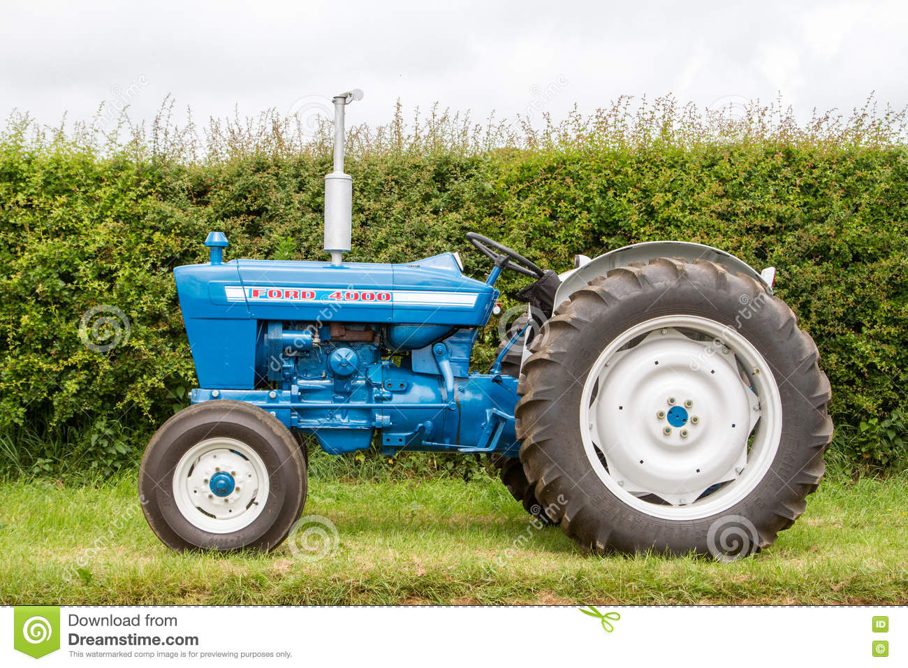 Ford 4000 Plow : Old ford tractor editorial stock image of