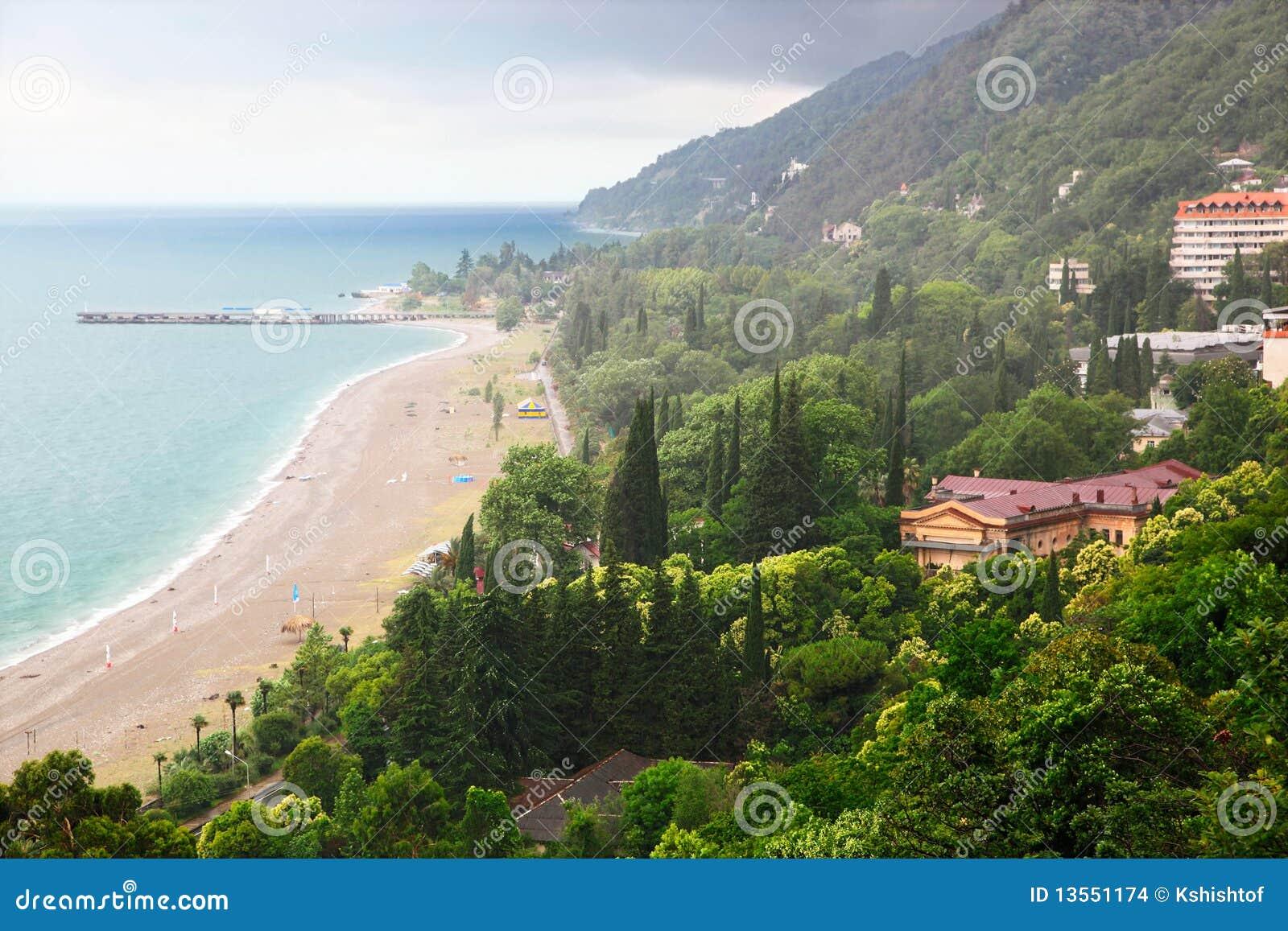 Gagra resort: beaches of new and old Gagra