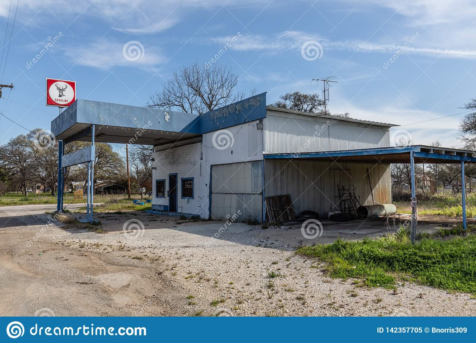 1 136 Gas Station Sale Photos Free Royalty Free Stock Photos From Dreamstime