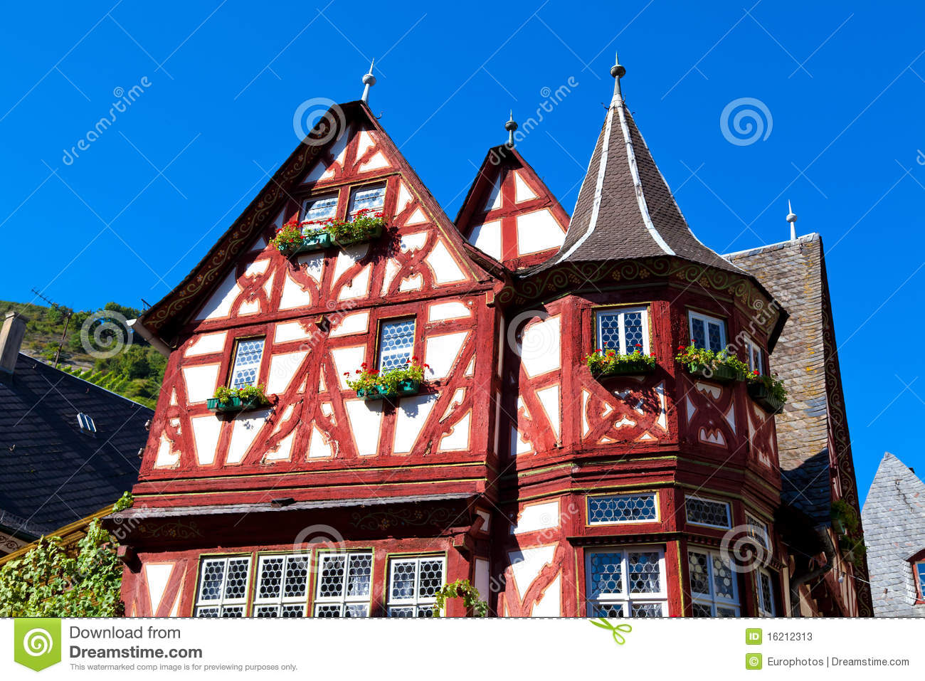 Old half timbered house stock photos image 16212313 for Half timbered house plans