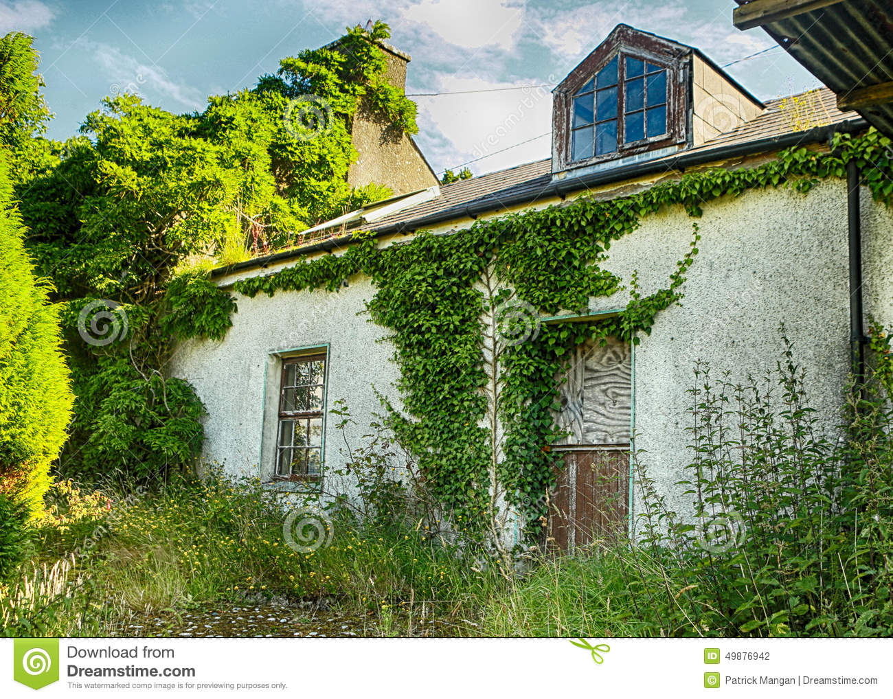 old house co donegal panorama landscape distant country cottage ivy 49876942