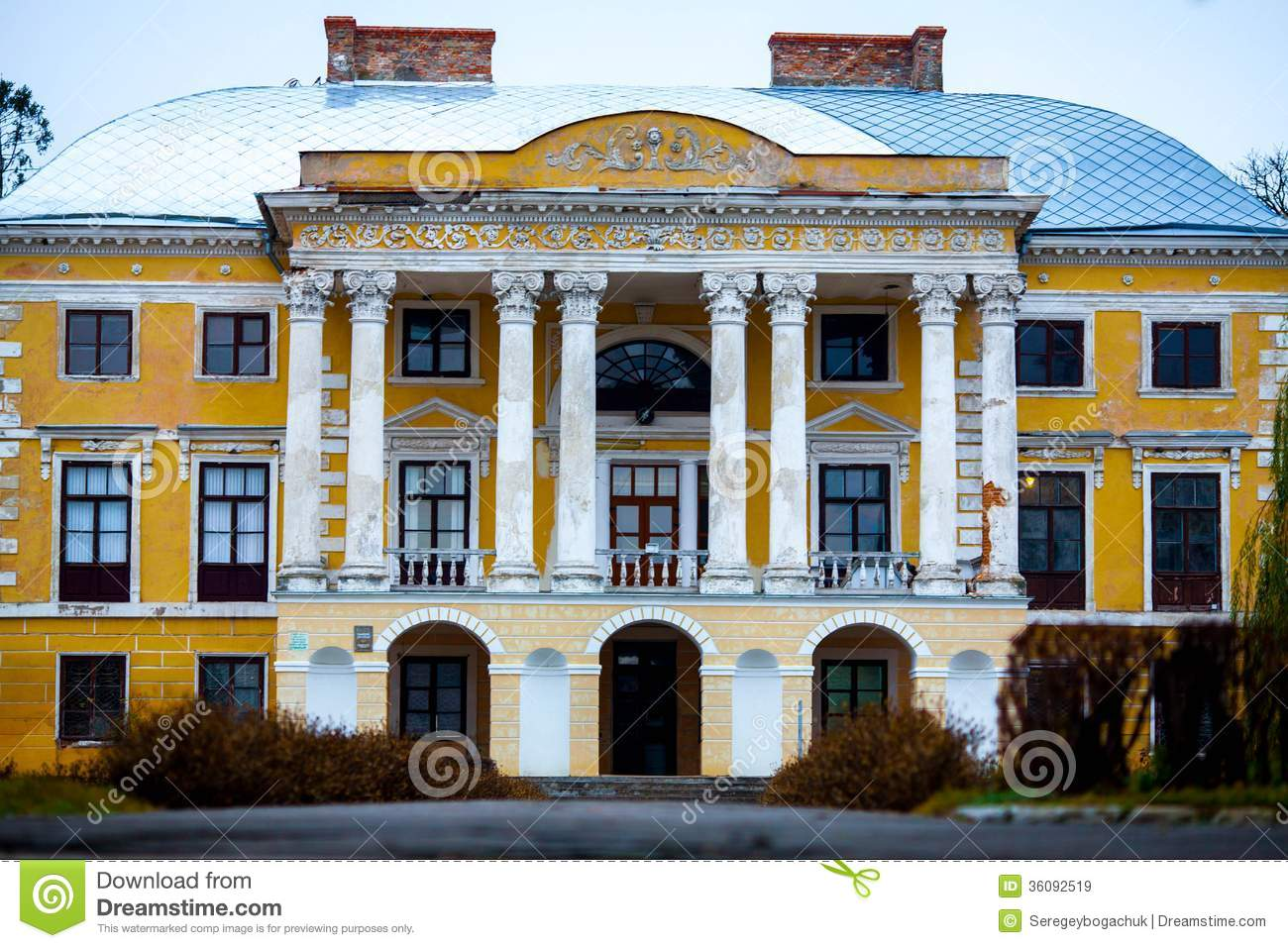 Old House With Columns Stock Image Image Of Building