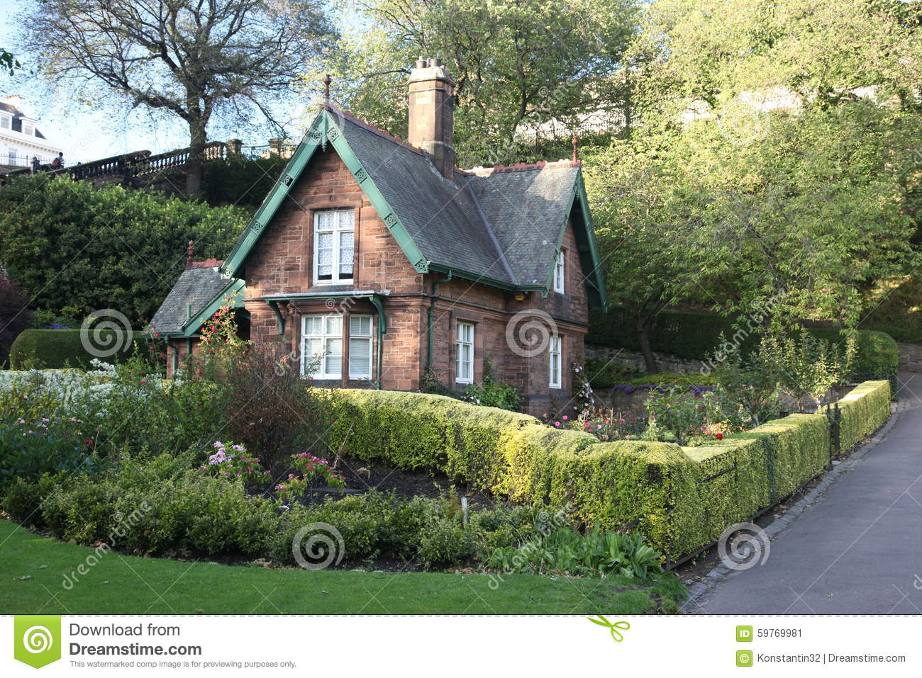 Old house in edinburgh in scotland uk stock photo image for Classic house edinburgh