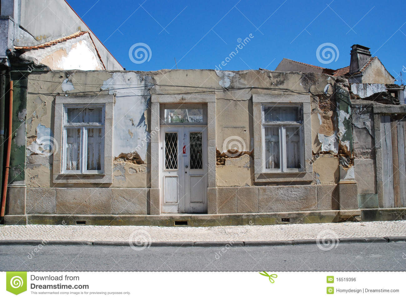 Old house facade royalty free stock image image 16519396 for Classic house facades