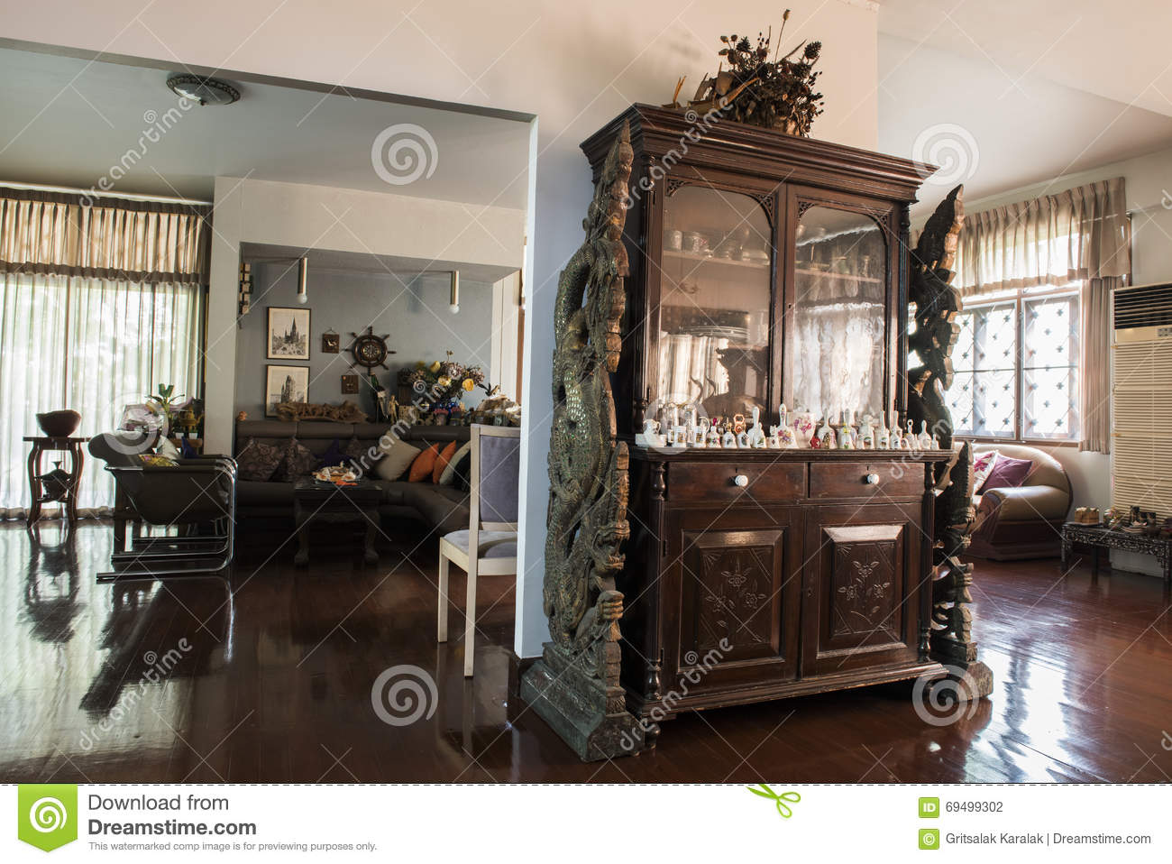 Old House Furniture And Decoration With Evening Warm Light ...