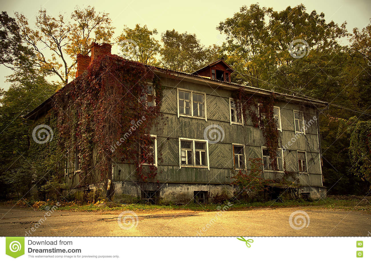 The Old House In The Garden. Stock Image - Image of landscape, cool ...