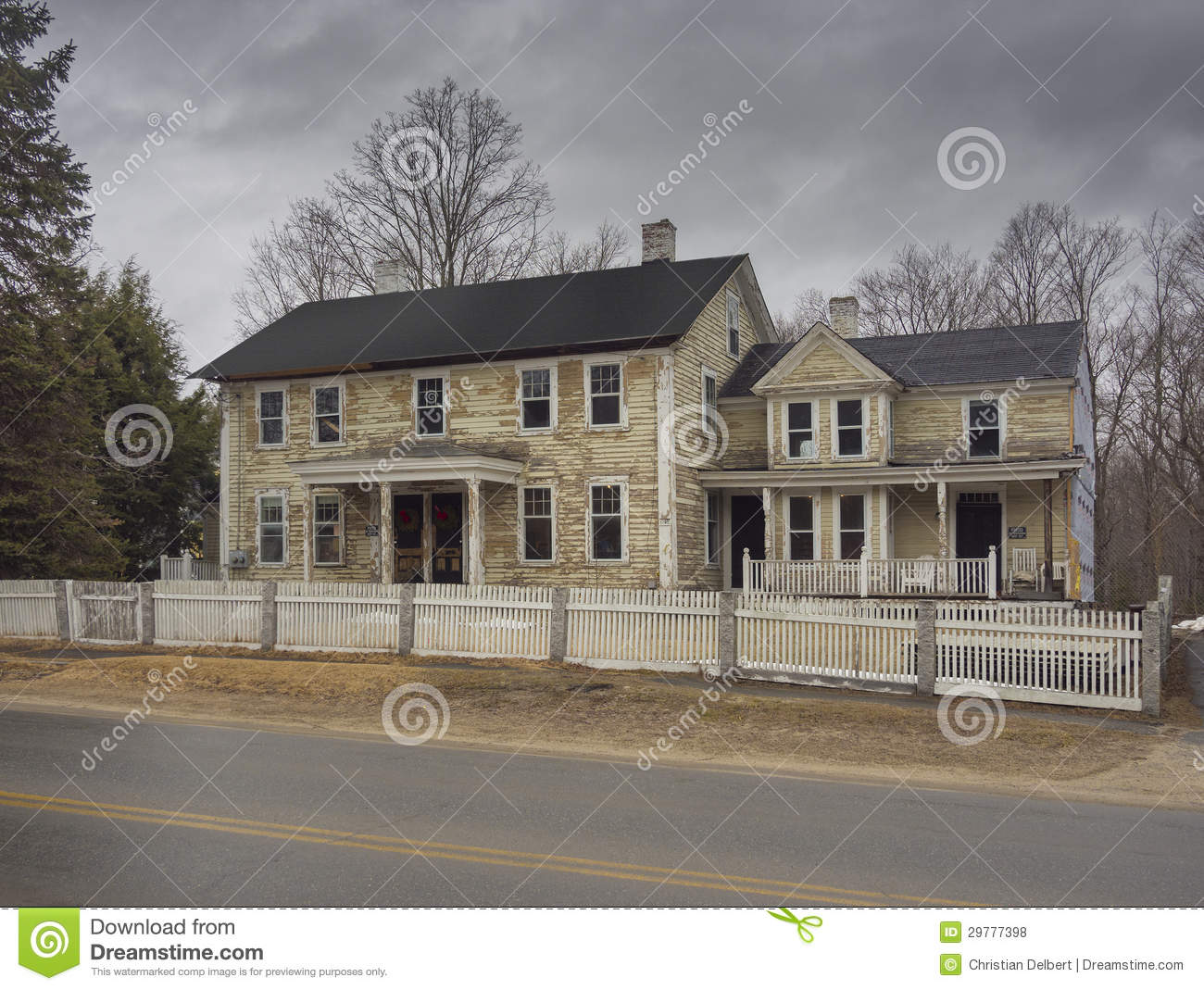 Lead paint stripping of house royalty free stock photos image 29777398 for Lead paint on exterior of house