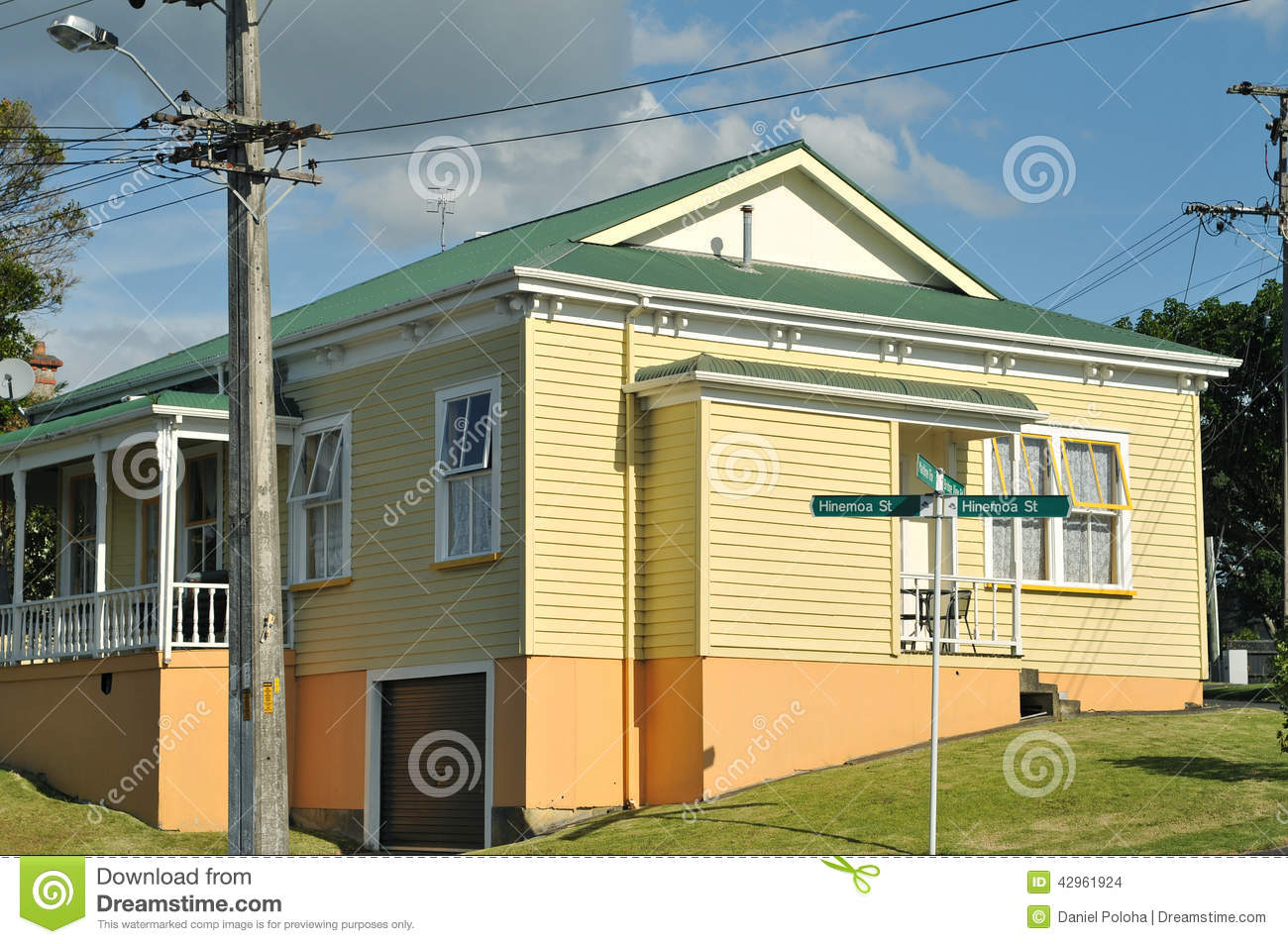 Old house with wooden cladding stock photo image 42961924 for Classic house green street