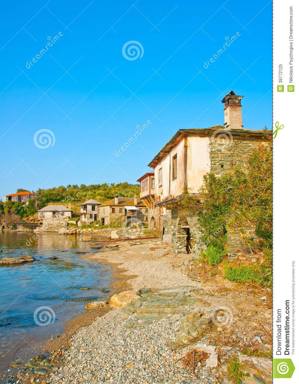 Pictures of houses on the beach - Athos Beach