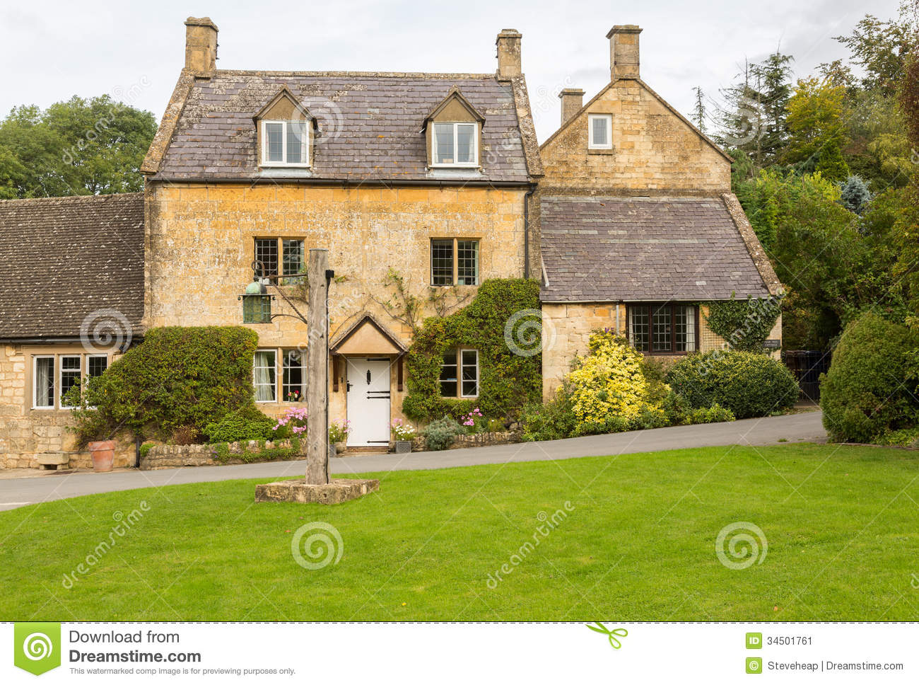 Old houses in cotswold district of england stock image for Cool house plans com