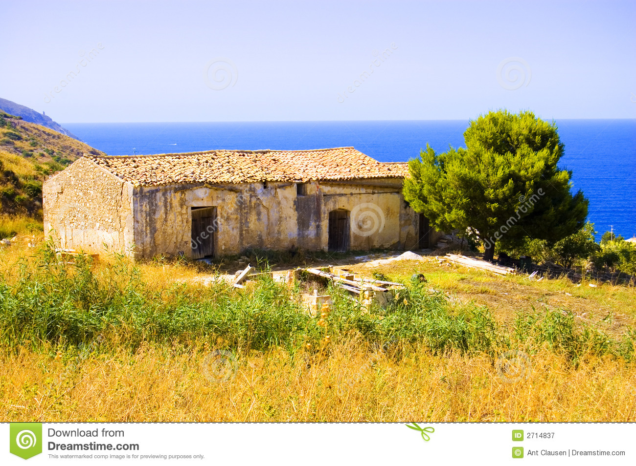 Old italian house royalty free stock photography image for Classic italian house