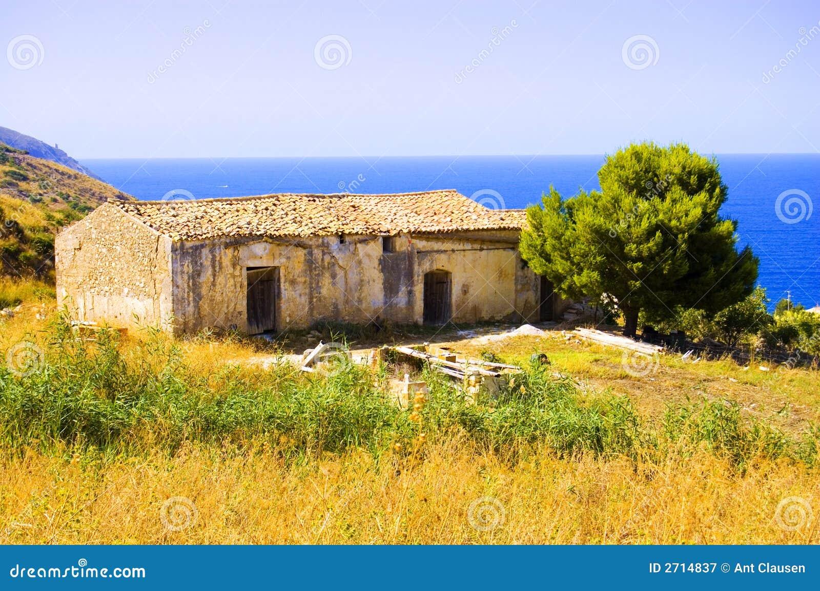 Old italian house stock image image of house terracotta for Italianhouse