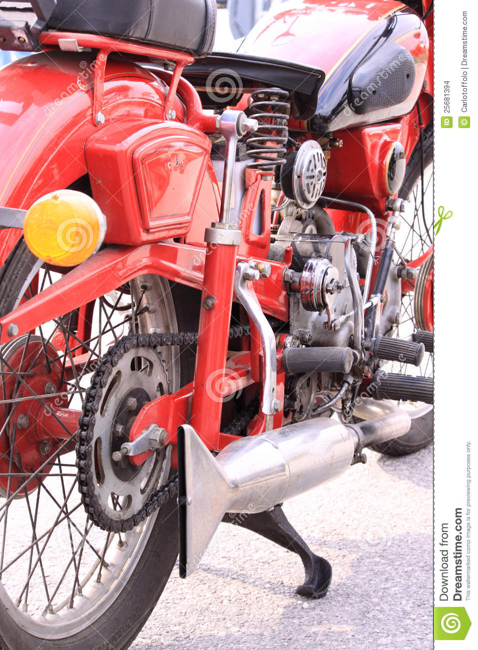 - old-italian-motorcycle-25681394
