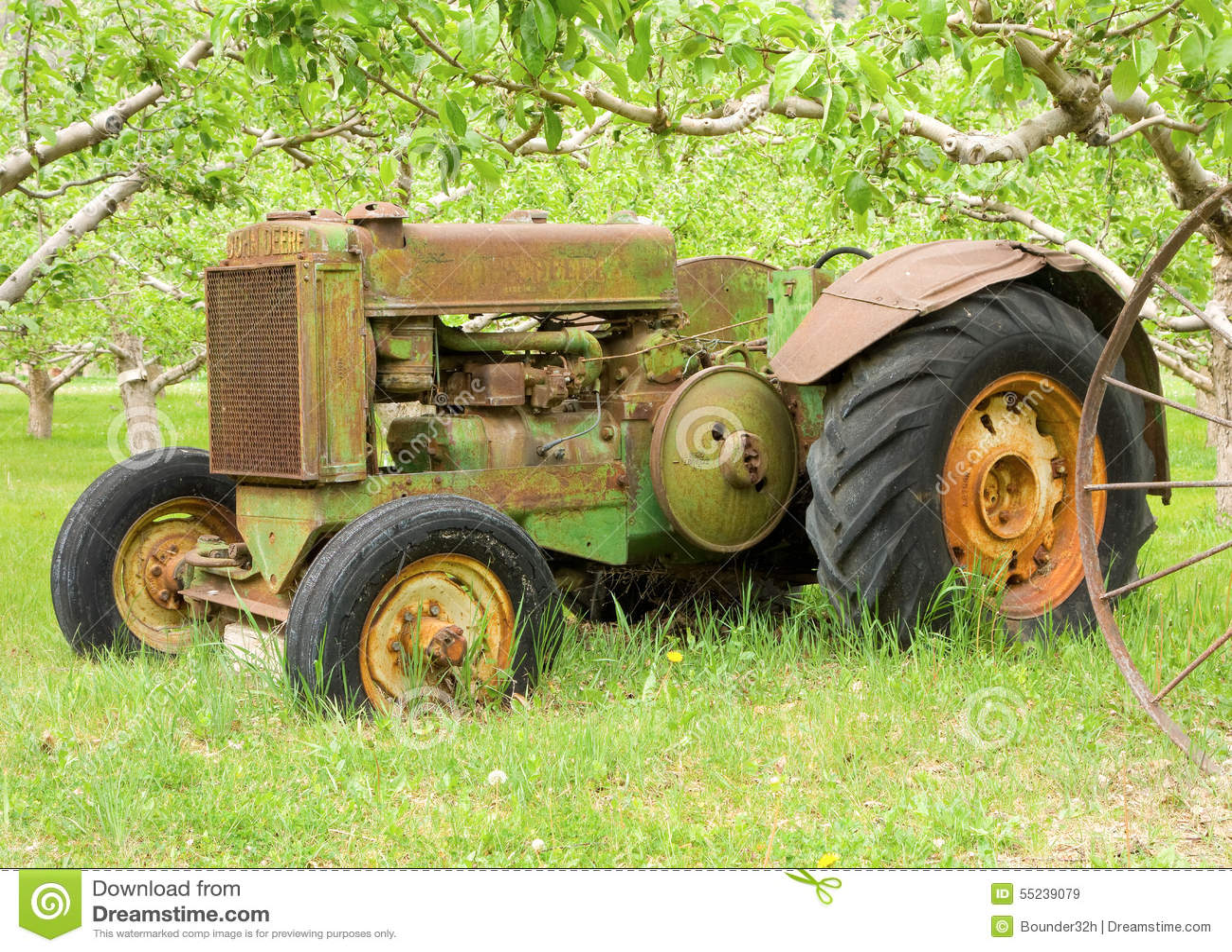 Old John Deere Tractors : An old john deere tractor in british columbia editorial