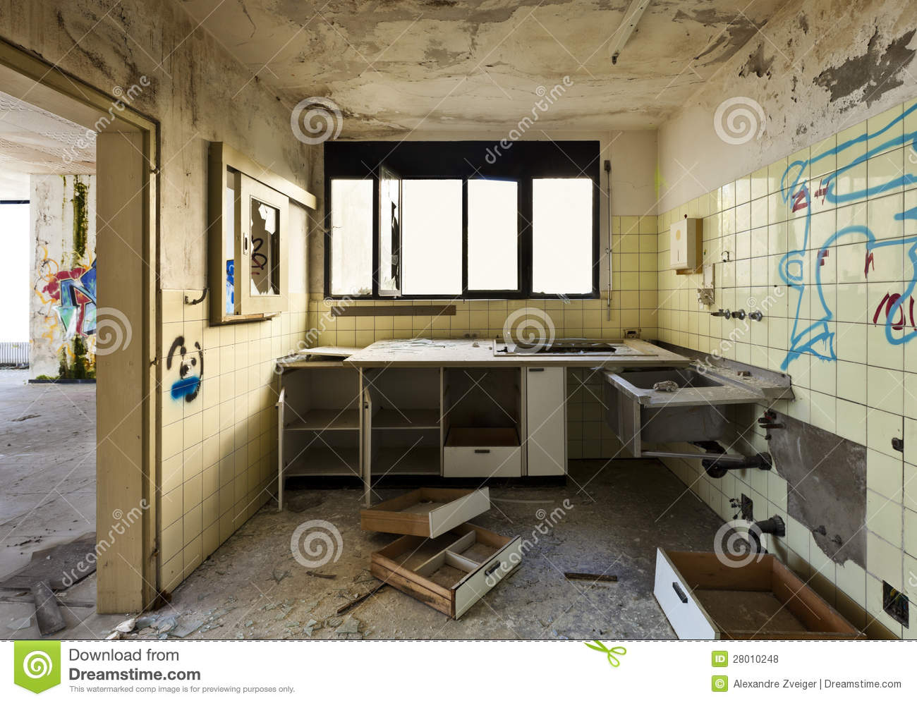 Old Kitchen Old Kitchen Destroyed Royalty Free Stock Photos Image 28010248